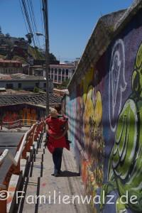 Halloween bei 30 Grad, Chiles Wendland und die größte Open-Air-Galerie der Welt - Valparaiso