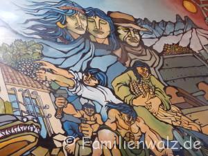 Magisches Pisco Elqui - Sterne, Wein und echte Schätze - Wandbild im Busbahnhof in La Serena