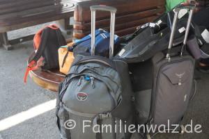 """Vorbereitungen einer Weltreise oder """"Mein Schwert kommt mit"""" - unser Gepäck"""