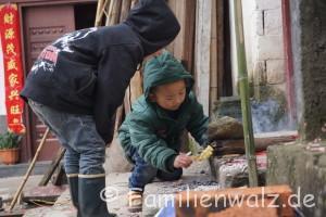 Zwischen Kälteschock und Schildkröten-Massaker - unsere ersten Tage in China - endlich Feuer