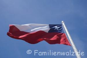 Santiagos schönste Ecken, Chiles schwere Geschichte und warum sie etwas mit uns zu tun hat - Fahne